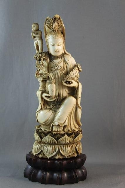 17: Good Chinese Qing Dynasty, 18th Century Ivory