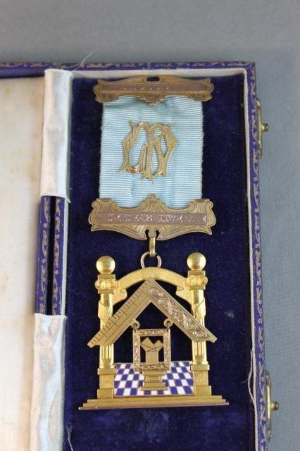 73: Stunning Masonic Gold, Enamel and Gilt Badge,