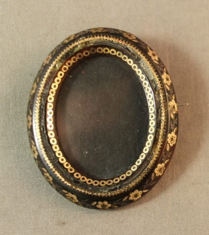 142: 19th Century Tortoise Shell and Gold Inlay Brooch,