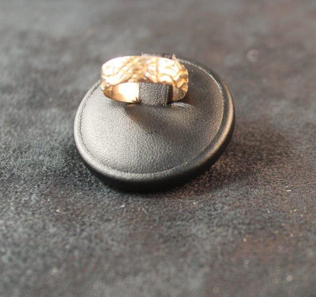 150: Victorian 9ct Gold Wedding Ring,c.1891