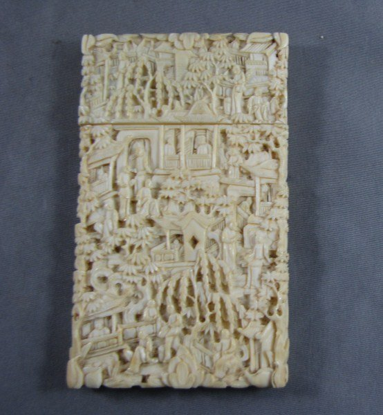 188: Good Chinese Qing Dynasty, Carved Ivory Card Case,