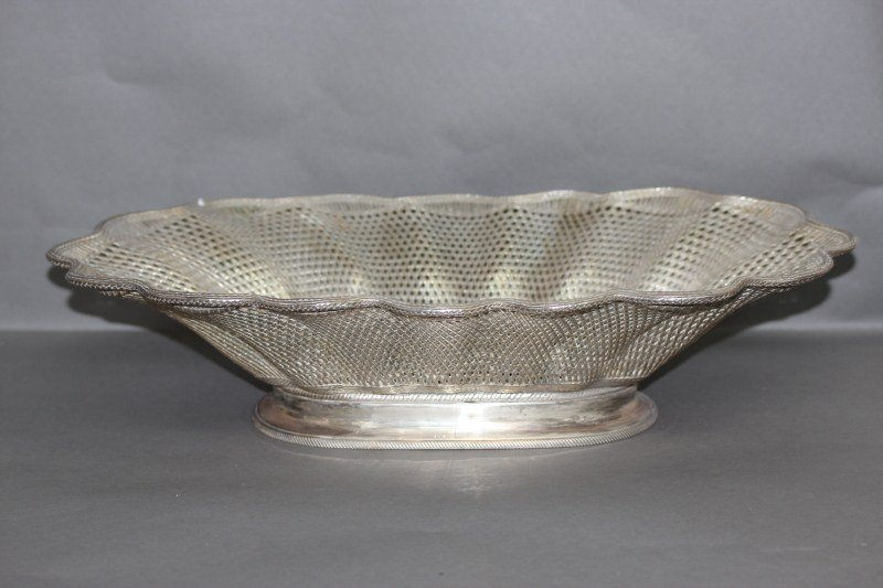 23: Fine Early 20th Century Christofle Silver Bread
