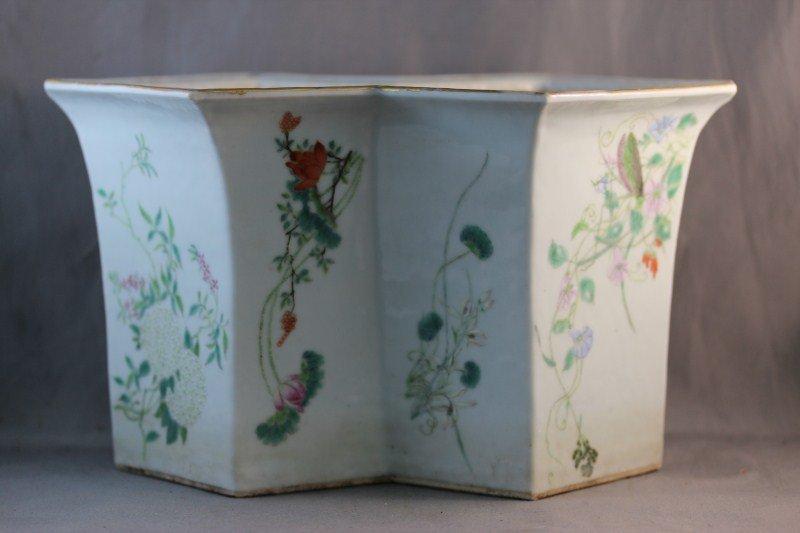 271: Chinese Republic Porcelain Jardinière,