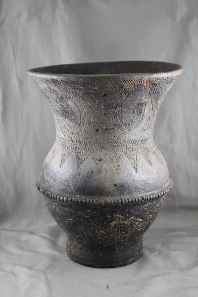Early Ban Chaing (300 B.C-300A.D) Black Ware