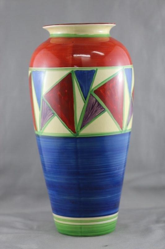 Good Clarice Cliff  Bizarre Vase,