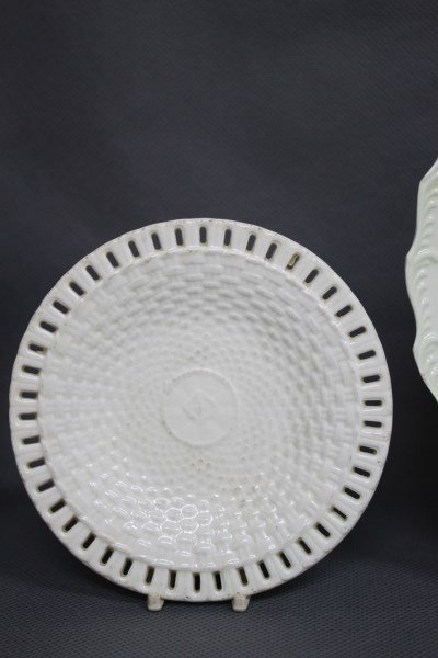 Pair of Early Wedgwood Creamware Dishes, - 3