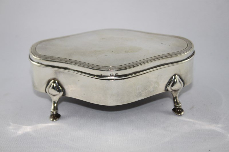 George V Sterling Silver Footed Box and Cover,