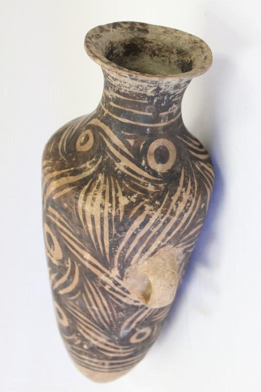 Chinese Neolithic Pottery Urn,