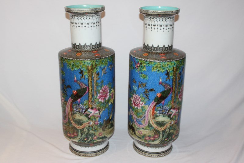 Good Pair of Chinese Rouleau Vases,
