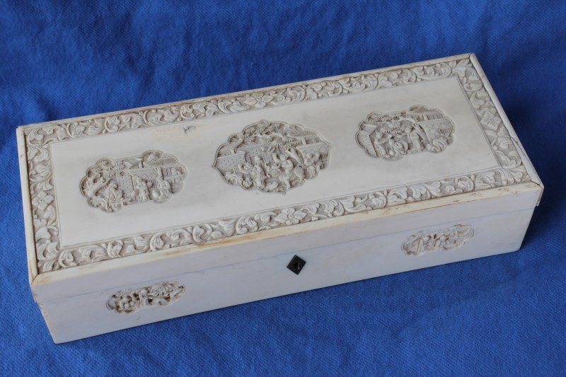 Chinese Ivory Rectangular Box and Cover,