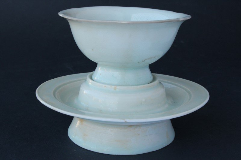 Chinese Porcelain Stem Cup and Underplate,