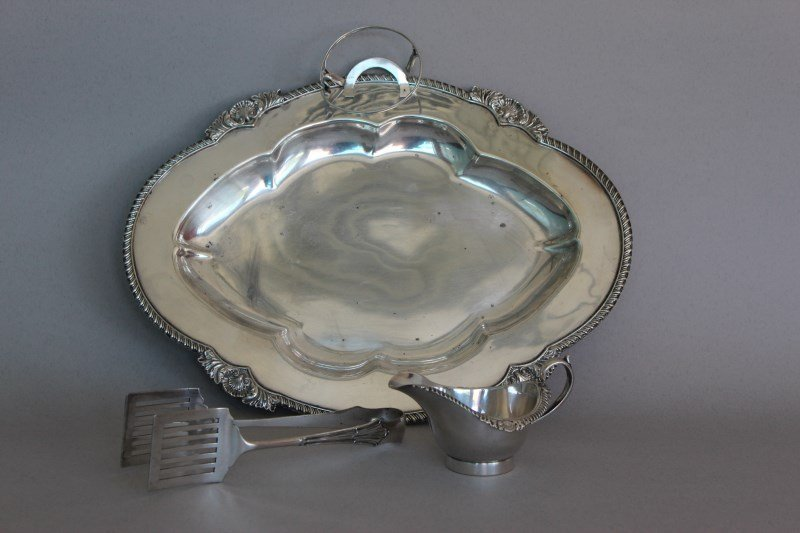 Roberts and Belk Silver Plated Asparagus Dish,