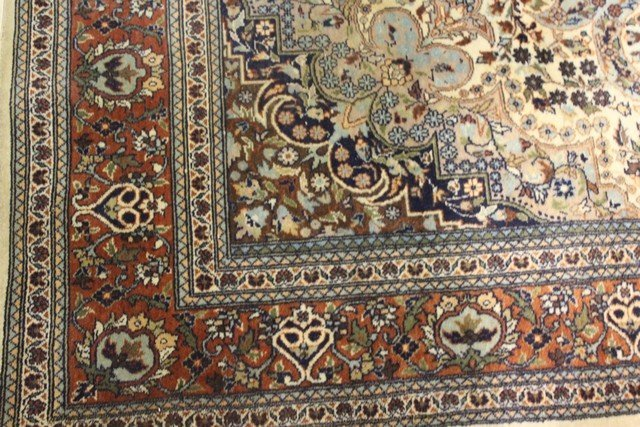 Extremely Fine Persian Carpet - 2