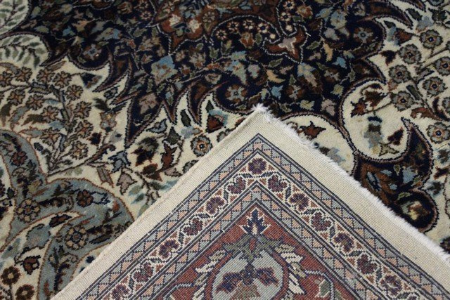 Extremely Fine Persian Carpet - 5