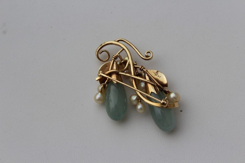 Mings  Hawaii Gold Brooch with Jade and Pearls - 2