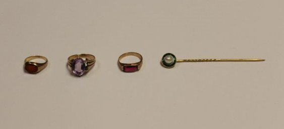 4 Gold Objects including a Gold Stick Pin with Emeralds
