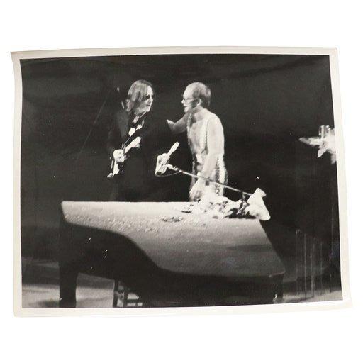 B&W PHOTOGRAPH OF ELTON JOHN AND JOHN LENNON
