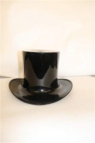 LARGE ART GLASS TOP HAT