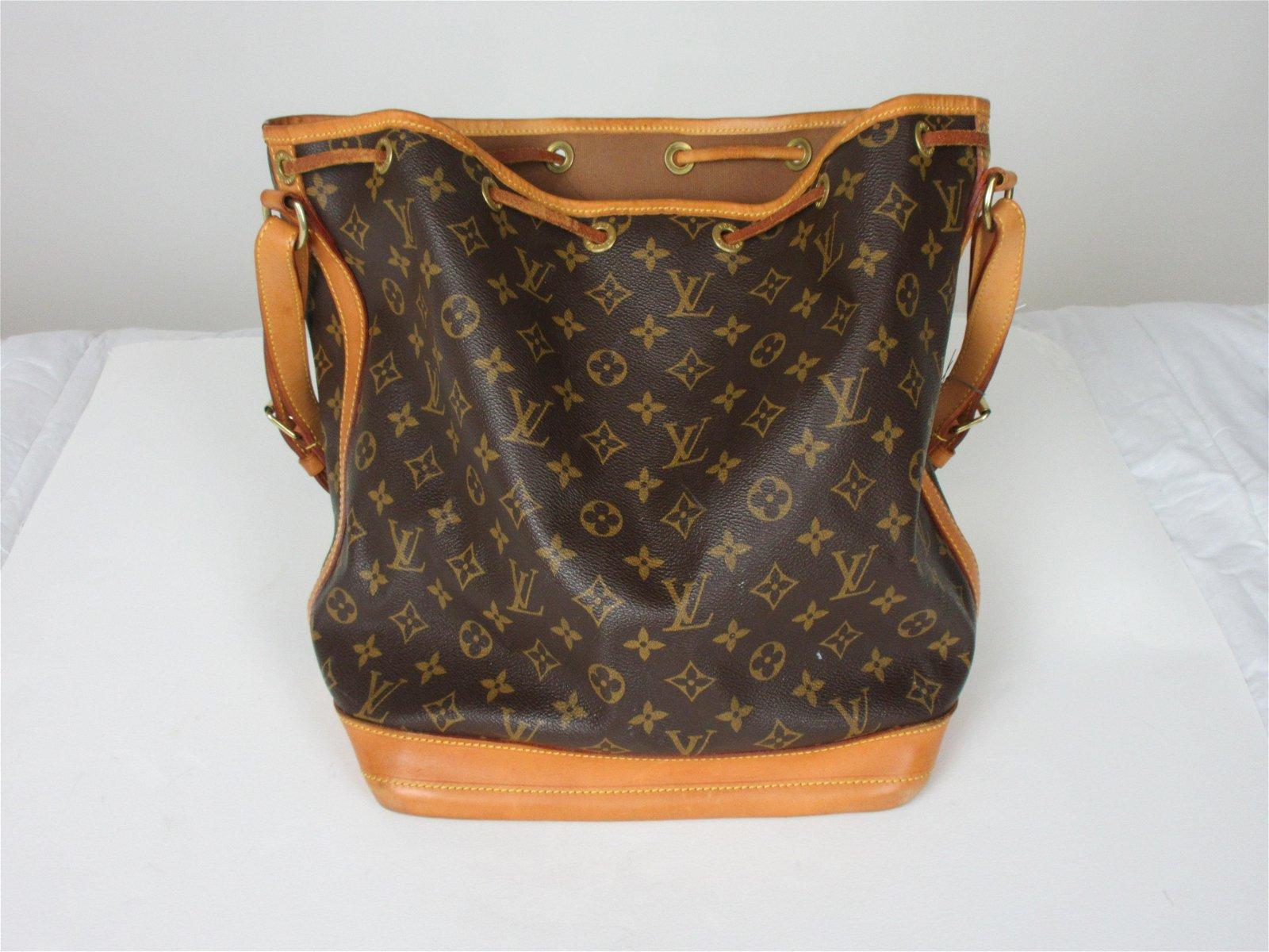 Leather Louis Vuitton Noe Handbag
