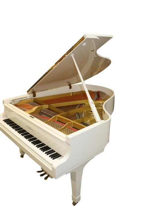 YAMAHA BABY GRAND G3 WHITE LACQUER PIANO
