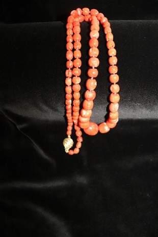 Lovely Vintage Ciner   Necklace
