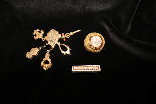 Collection  Vintage Costume Pins