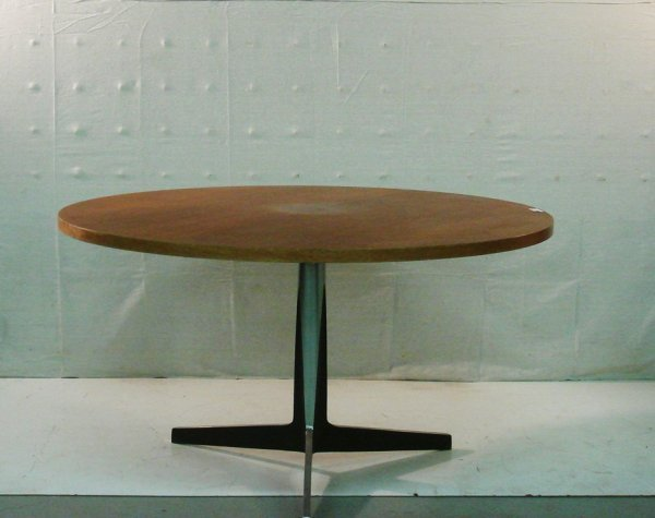 3: Florence Knoll Dining Table
