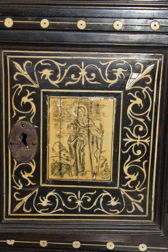 18th Century Spanish Walnut Varqueno W/ inlaid Bone - 4