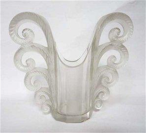 LALIQUE FRANCE (XXe).  Vase « Beauvais »