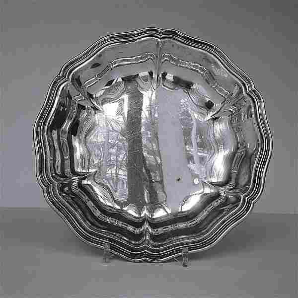 Orfevrerie suisse, XXe. Plat creux polylobe