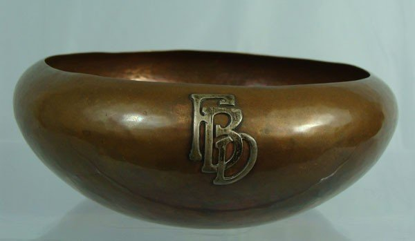 22: Fine KALO hammered copper bowl