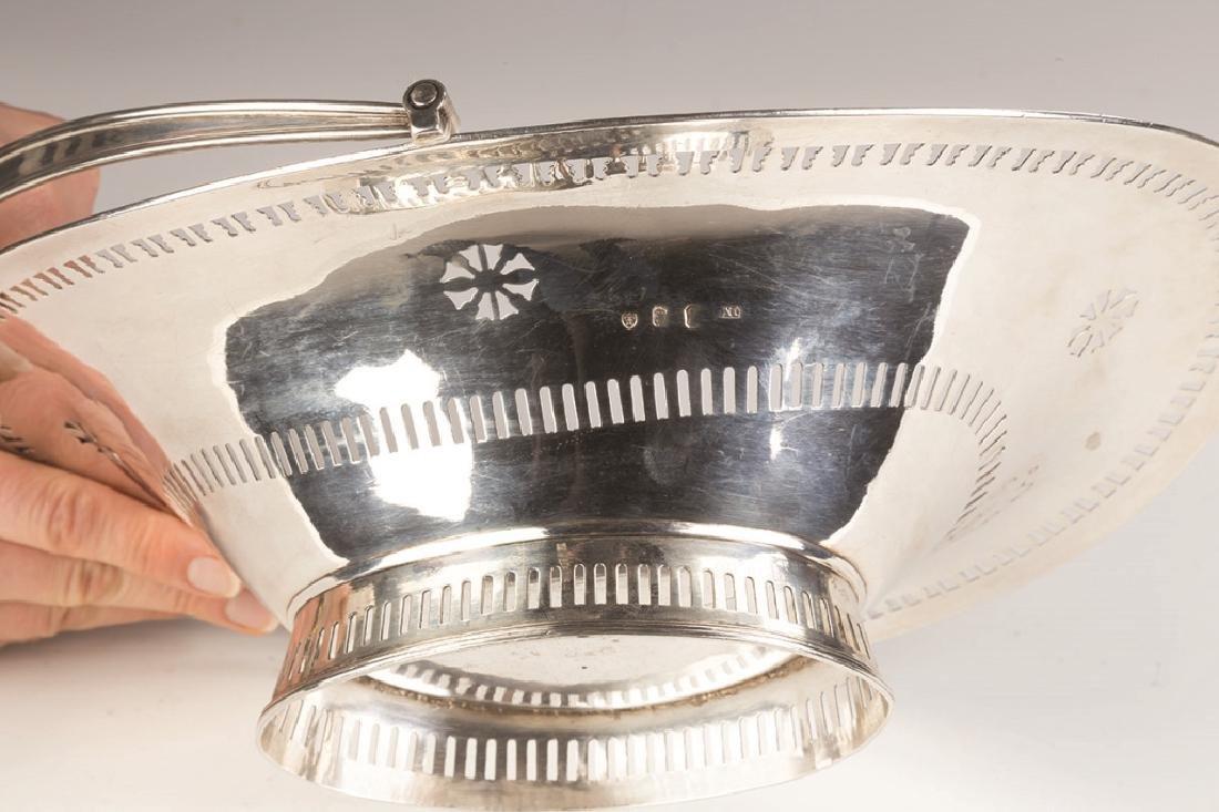 John Moore, Dublin, Irish Sterling Silver Cake Basket - 3