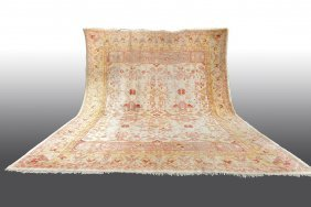 Oushak Oriental Carpet