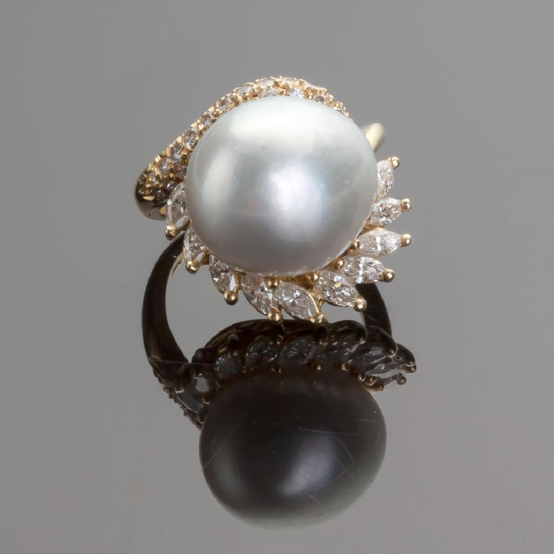 Lady's South Sea Pearl Ring