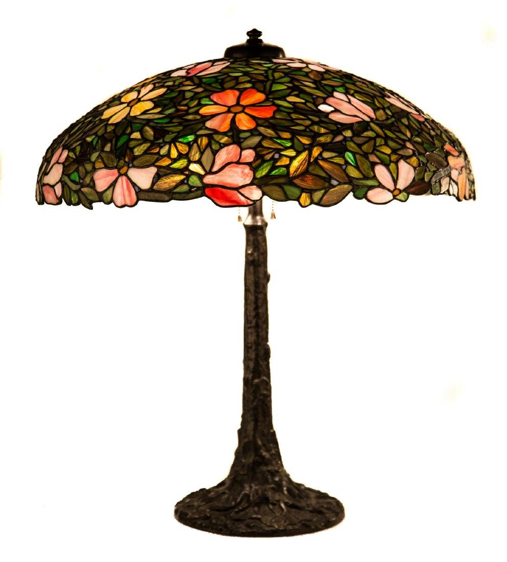 Decorative Leaded Glass Table Lamp