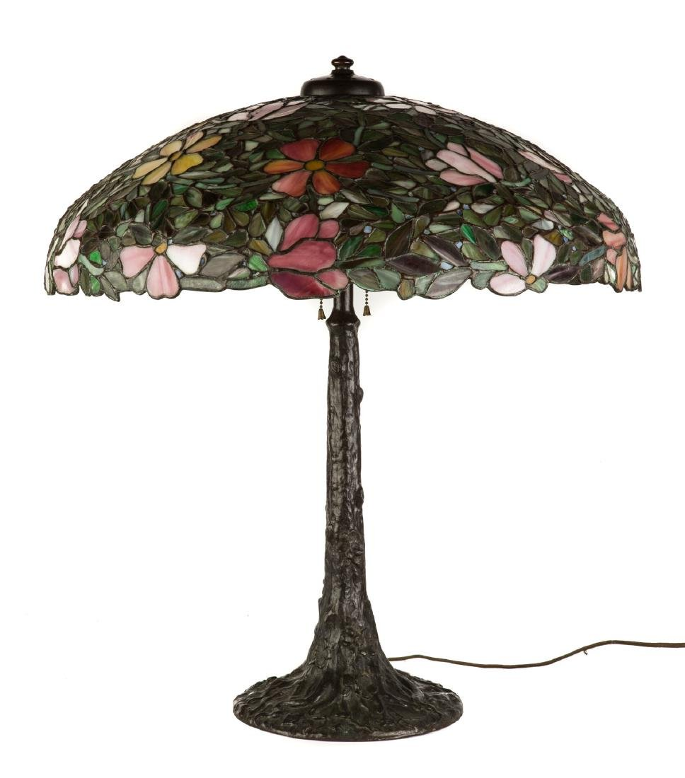 Decorative Leaded Glass Table Lamp - 3