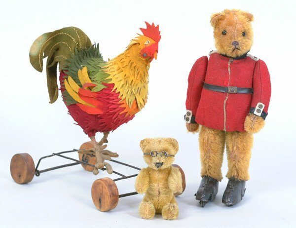 1005: Steiff Rooster Pull Toy