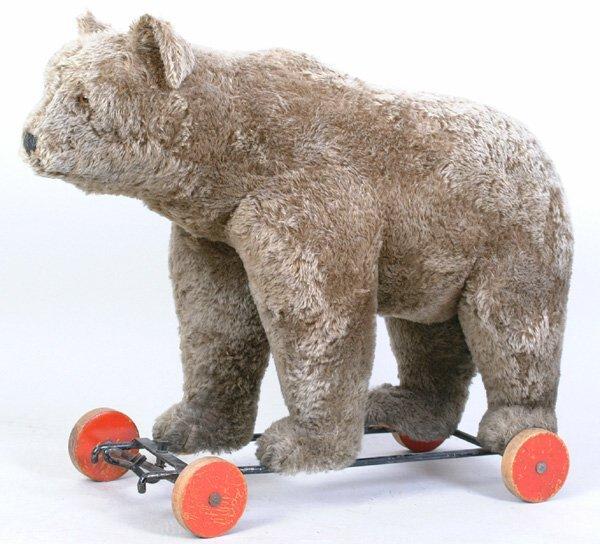 1015: Steiff Bear On Wheels