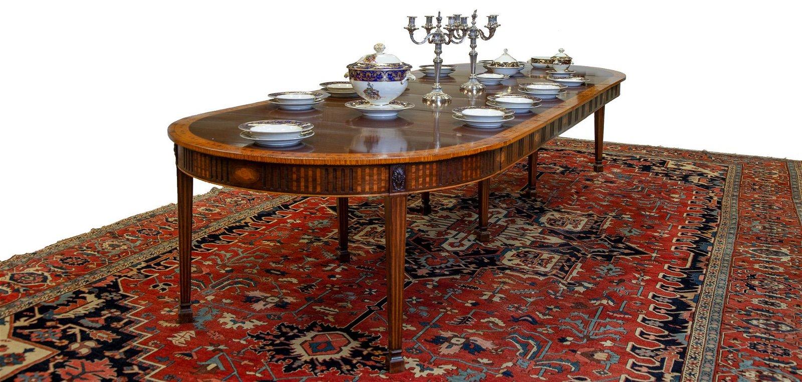 English Hepplewhite Inlaid Accordion Dining Table