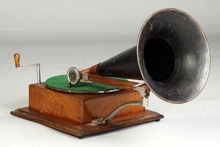 4: Style #4 Gramophone
