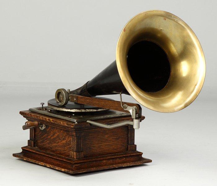 15: Eldridge Johnson Type 'C' Talking Machine