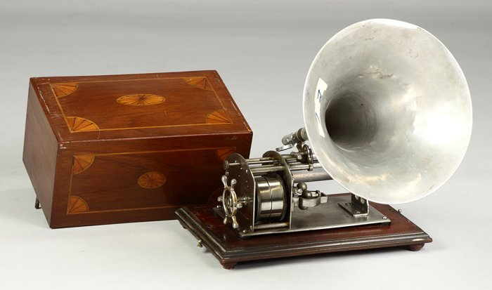 23: Thorens Swiss Phonograph