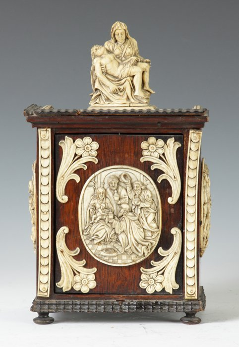10: Late 17th/18th Cent. Italian Carved Walnut and Ivor