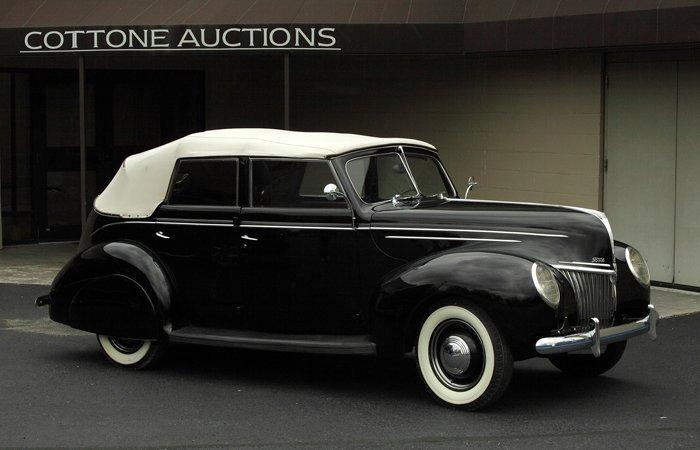 135: 1939 Ford 4 Door Convertible