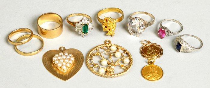 Group of Misc. 18K & 14K Gold Rings & Pendants
