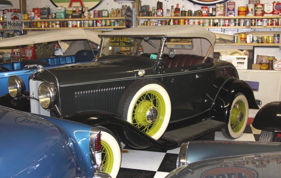 Ford 32' Model 18 Green/Lime Green Coupe Cabriolet