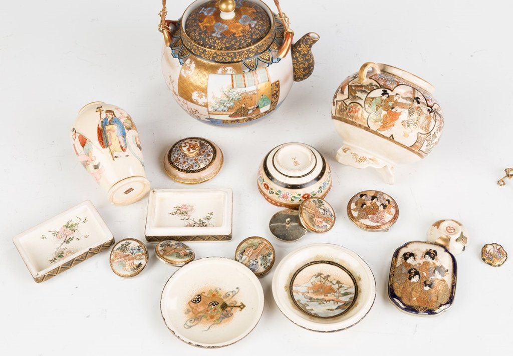 Group of Satsuma Items and Buttons - 2