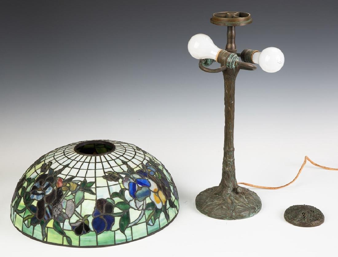 "Tiffany Style ""Pansy"" Lamp - 6"
