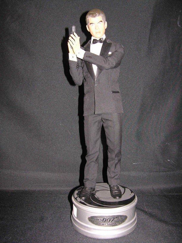 510: James Bond Resin Figure