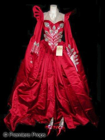 10: Mirror Mirror Evil Queen's (Julia Roberts) Wedding